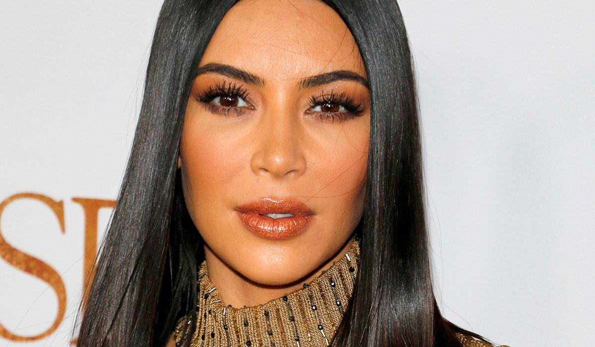 Гвинет Пэлтроу сделала Кардашьян неприличный подарок: «Пахнет оргазмом Ким»