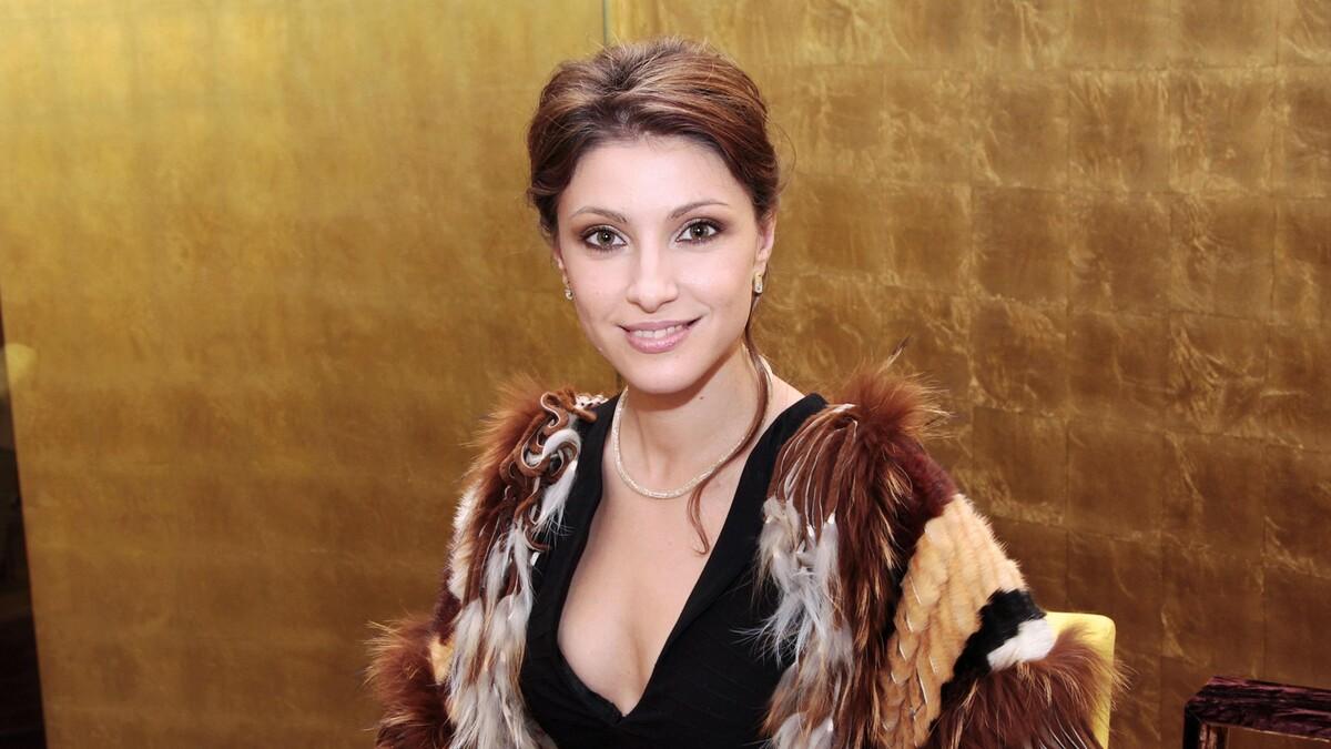 «Когда встречусь с детьми?»: соперница Макеевой поставила бывшего мужа на колени