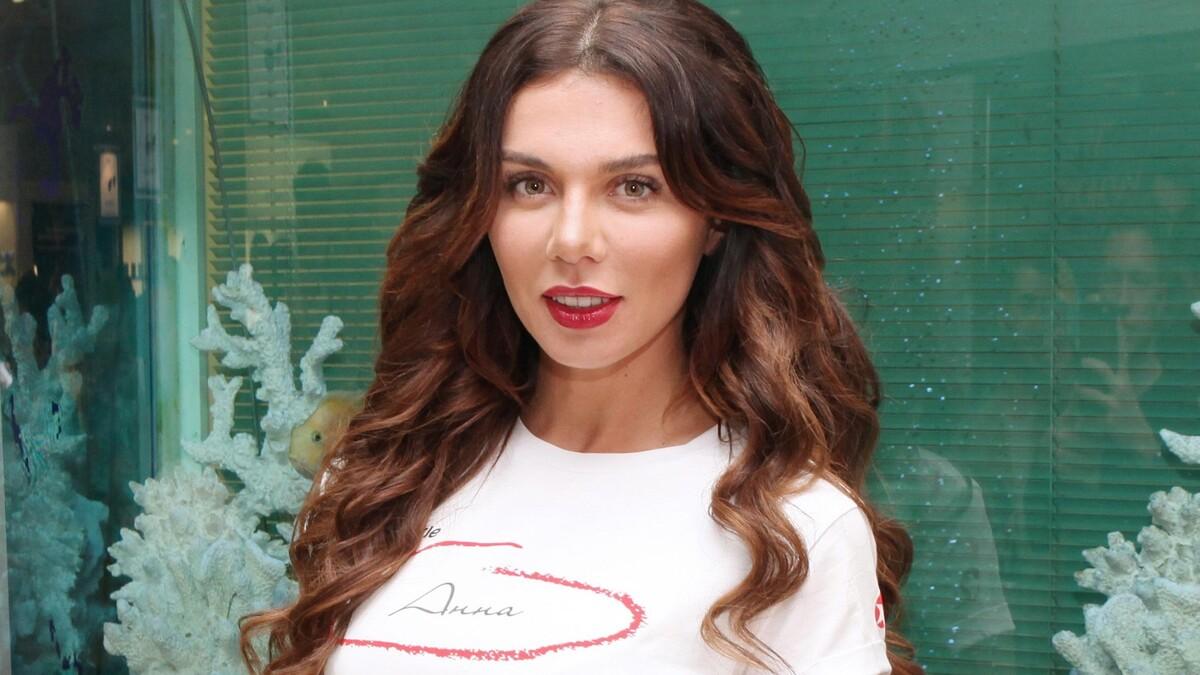 Альфонс за бортом: Седокова намекнула на развод с молодым баскетболистом