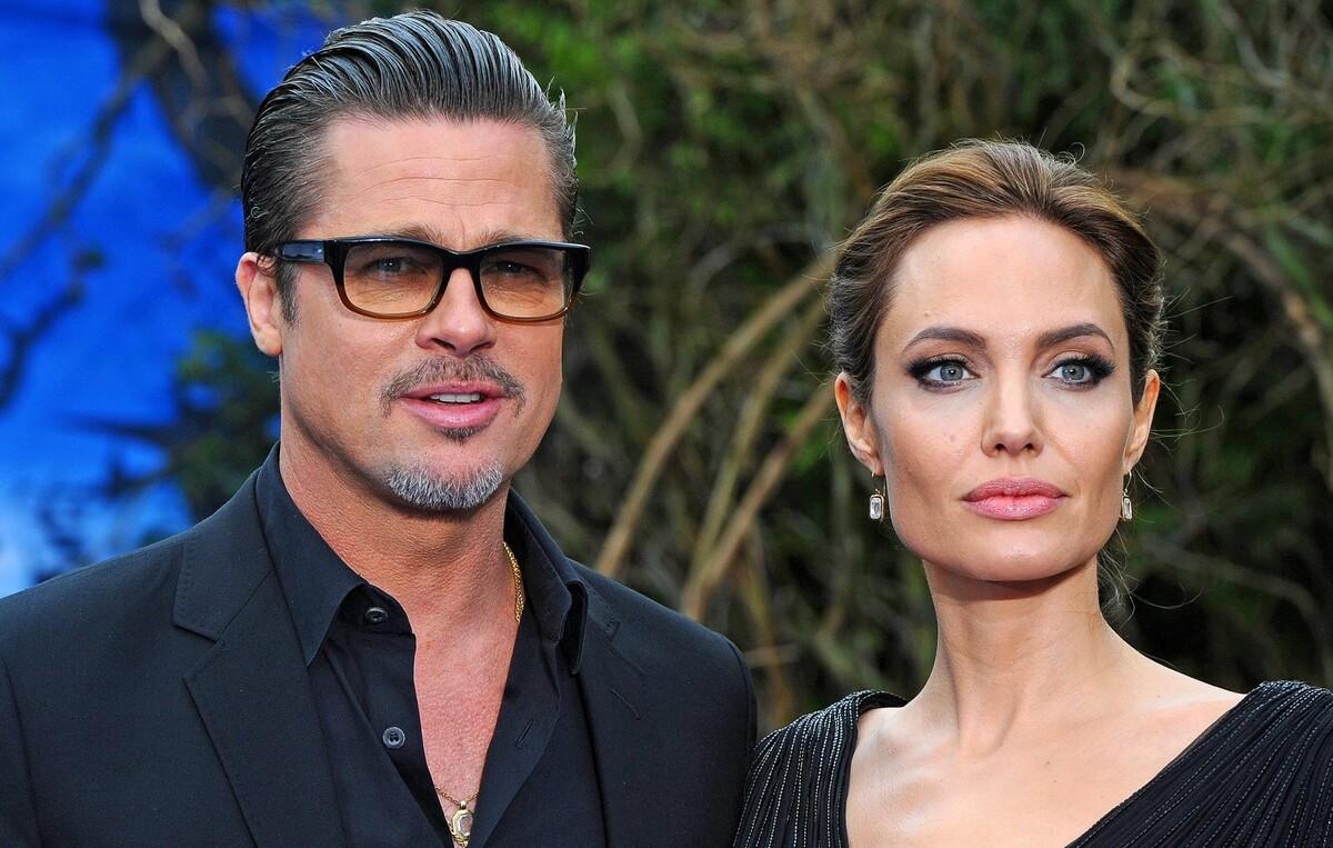 СМИ: Анджелина Джоли запретила Брэду Питту видеться с детьми после отпуска с возлюбленной