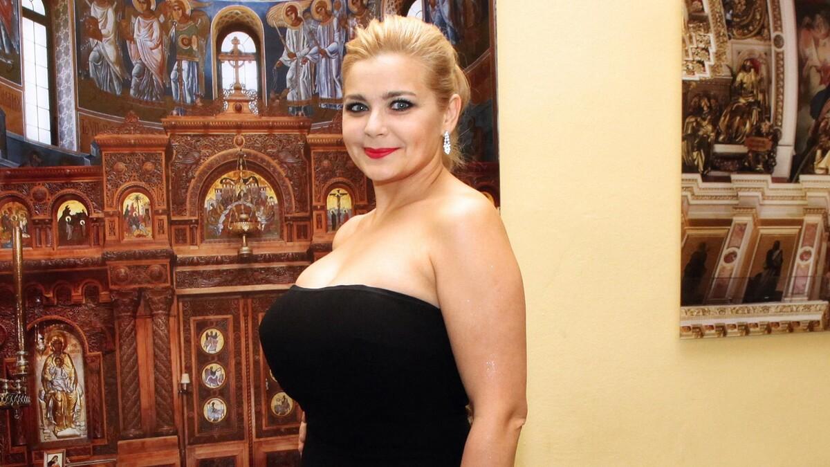 «Срочно верните блонд»: Пегову затравили в Сети