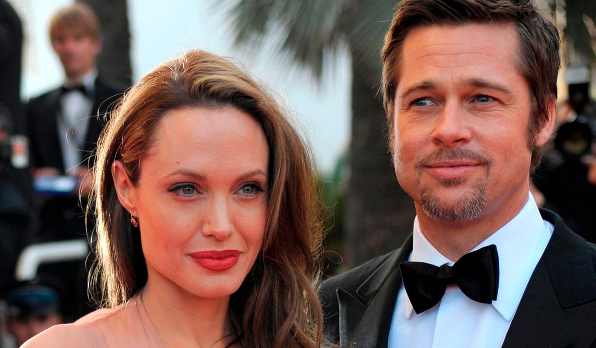 Отец Анджелины Джоли намекнул, что Брэд Питт виноват в разводе