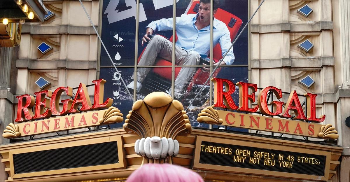«Все говорили, что театры вымрут»: в России исчезают привычные кинозалы