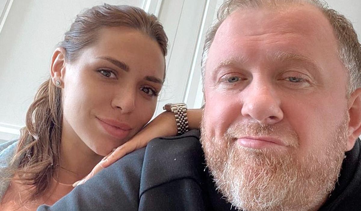 «Действительно любим друг друга»: Ивлев обвенчался с молодой женой в Тамани