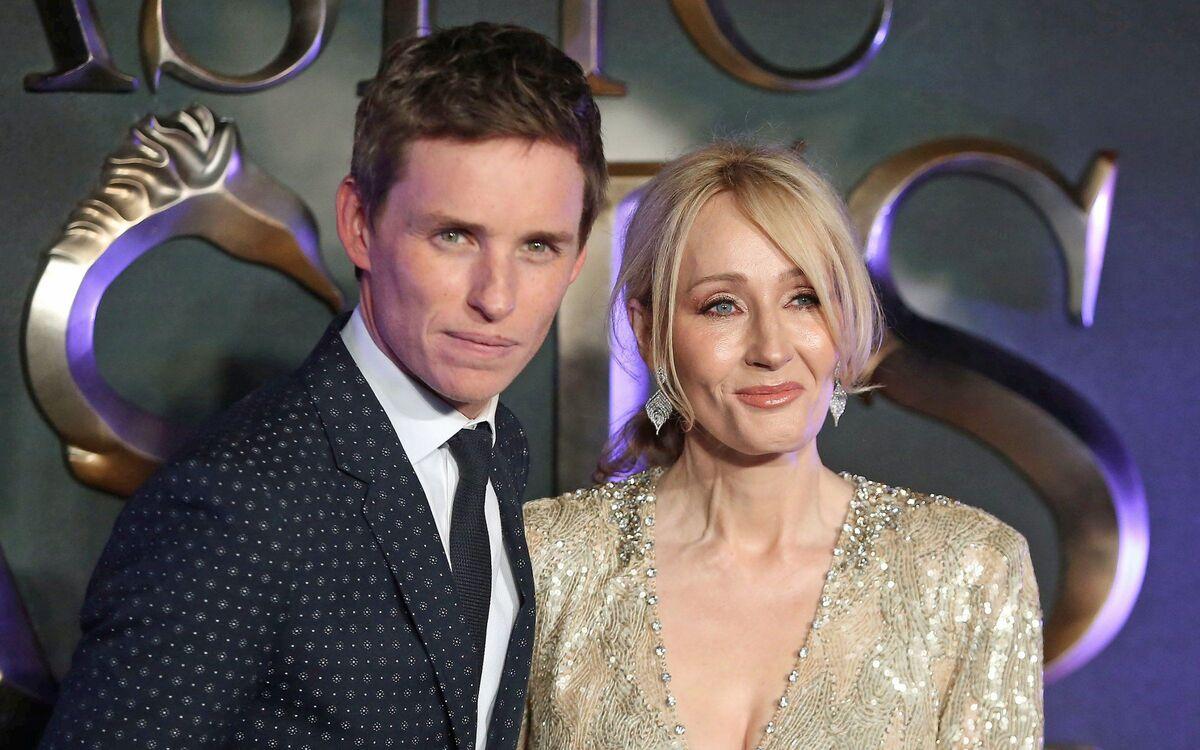 Слух: Эдди Редмэйн хочет увольнения Джоан Роулинг из «Фантастических тварей»