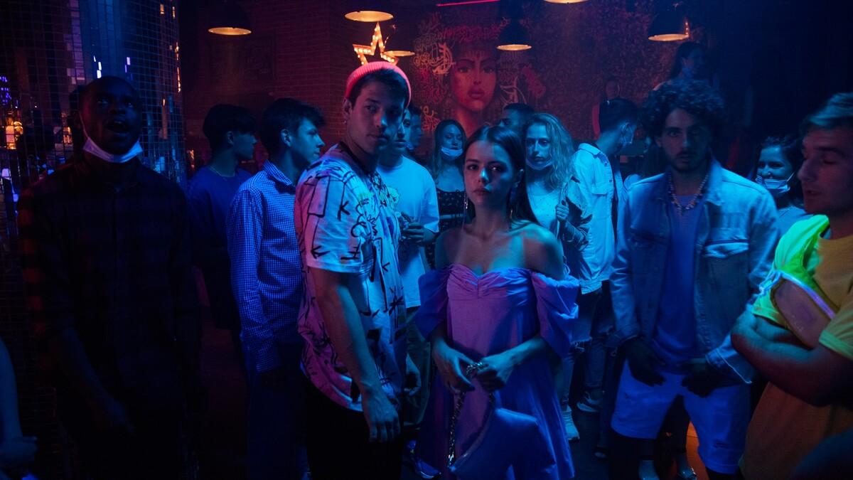 Любовь, наркотики, TikTok: вышел трейлер музыкального киноальманаха «16+»
