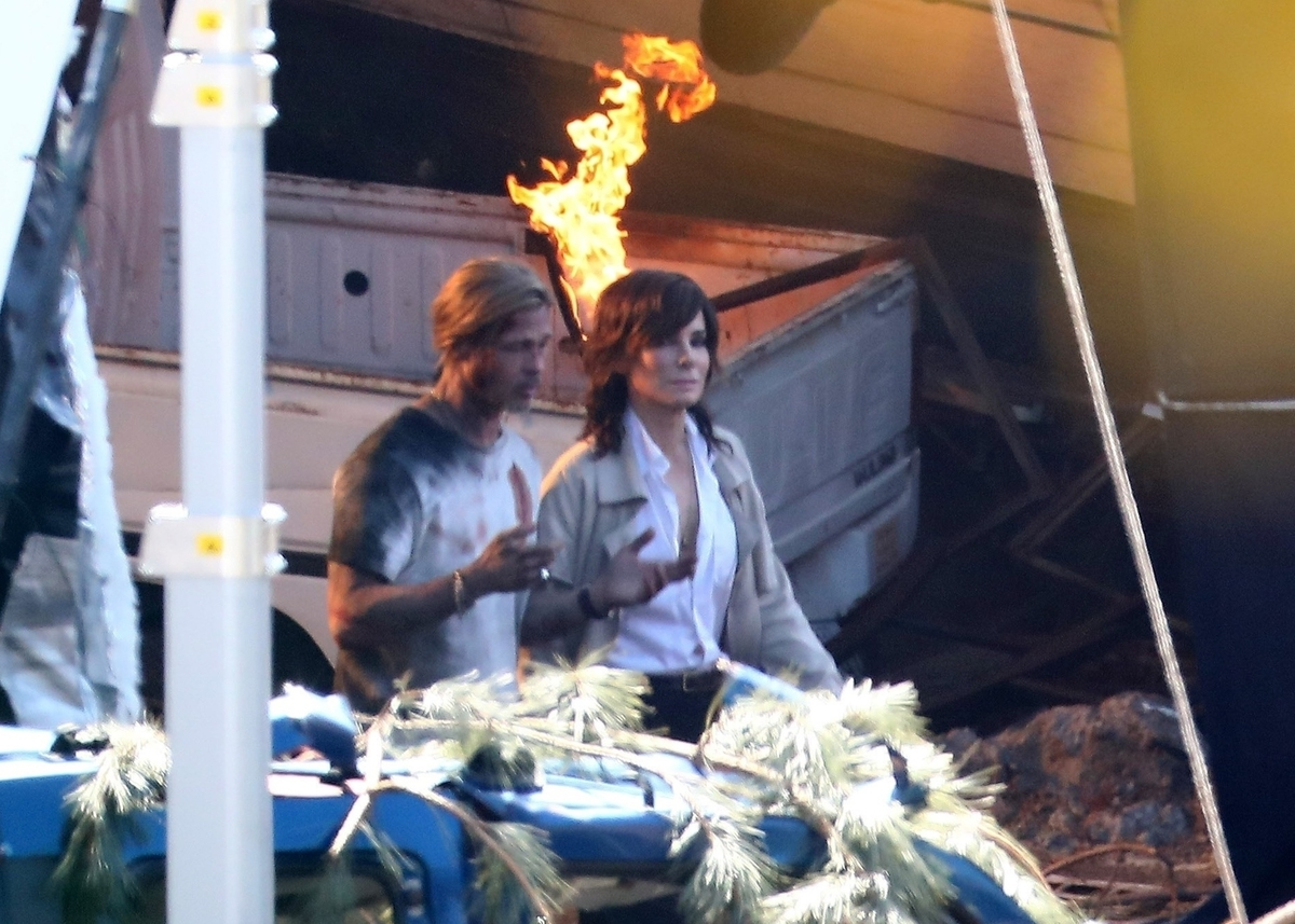Фото: Брэда Питта и Сандру Буллок запечатлели на съемках «Скоростного поезда»