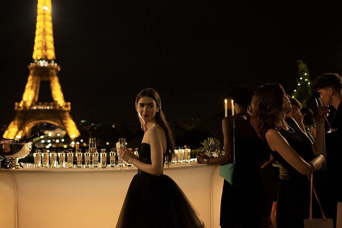 «Золотой глобус» уличили в коррупции после номинации «Эмили в Париже»