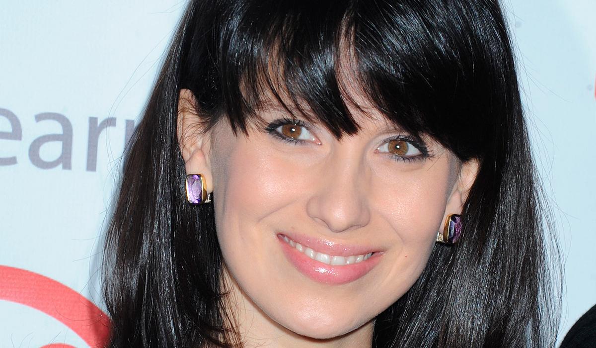 Дочь Алека Болдуина заступилась за мачеху после крупного скандала в сети