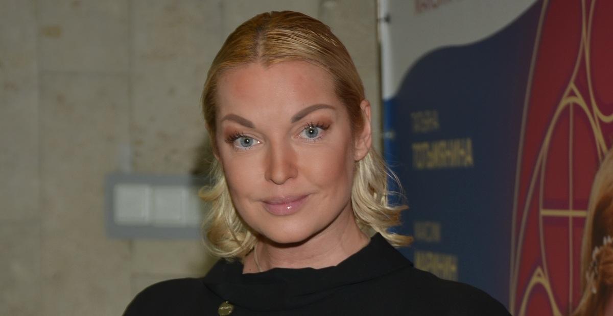 «Я не Оля Бузова»: Волочкова призналась, что 10 лет писала альбом