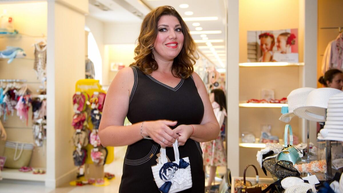 «Стриптиз на пирсе»: звезда Comedy Woman поздравила коллегу тверком