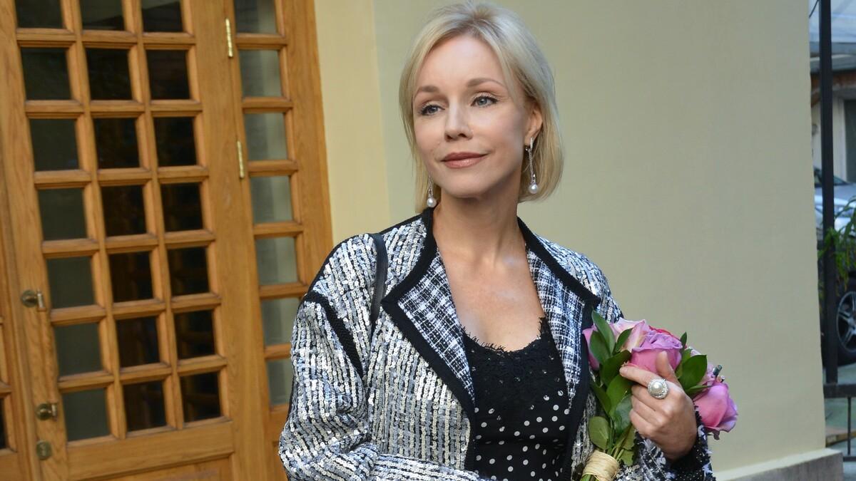 «Я ее сторонница»: вдова Табакова сравнила Бузову с Зеленским