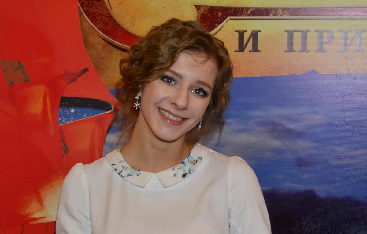 «Замужество меняет женщину»: Лиза Арзамасова очаровала фанатов фото на пляже