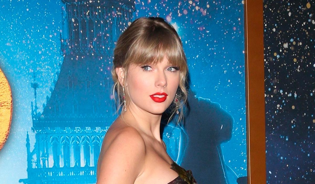 Тейлор Свифт поделилась домашними видео, которые еще никто не видел