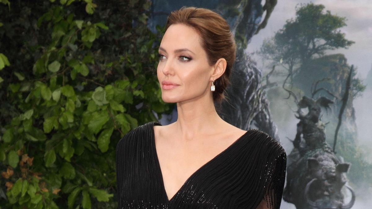 «Устроили настоящий сюрприз»: дети Анджелины Джоли утешили маму после проигрыша в суде