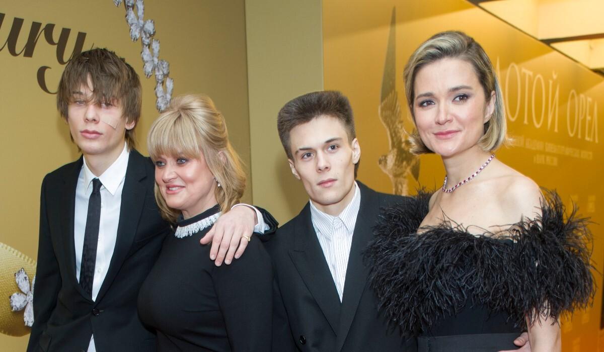 «Тает на глазах»: исхудавший сын Анны Михалковой взволновал соцсети