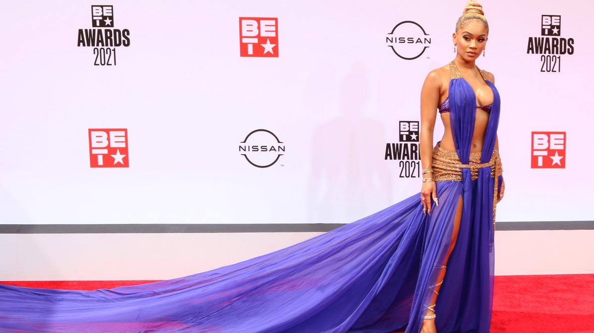 Полный fashion: самые яркие наряды BET Awards 2021