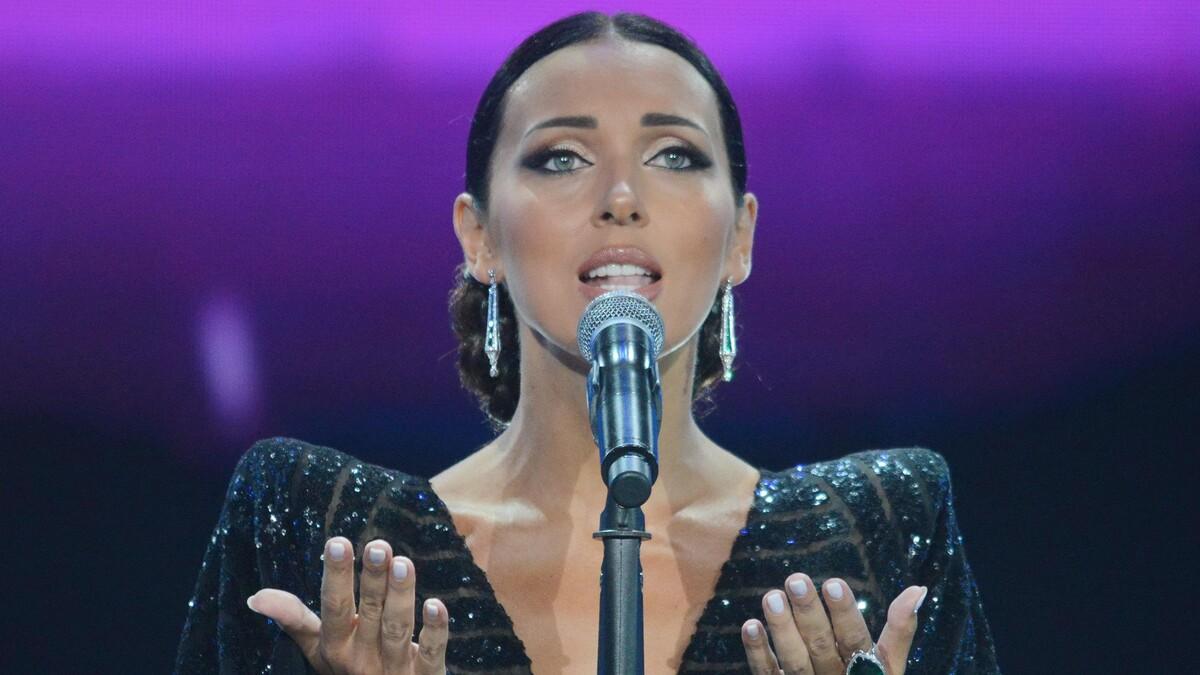 «Мамина копия»: Микелла Абрамова показала старшую сестру-красавицу