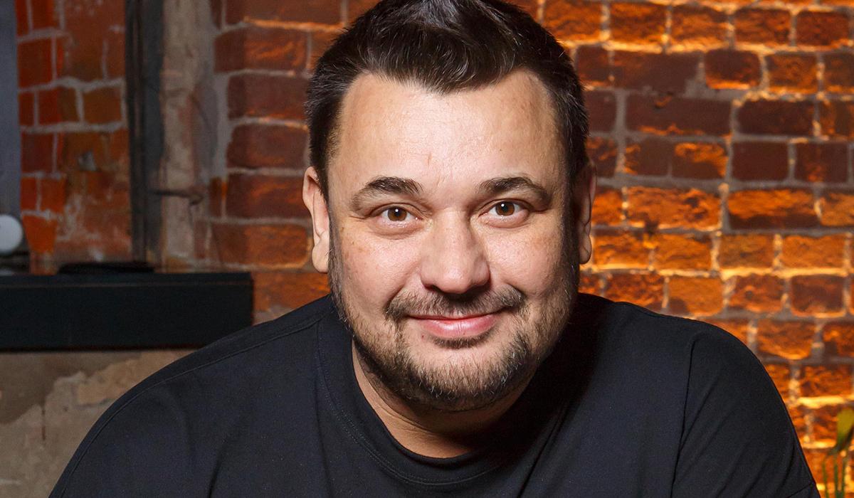 «Голодали мы по-страшному»: Сергей Жуков из «Руки вверх!» о начале звездной карьеры