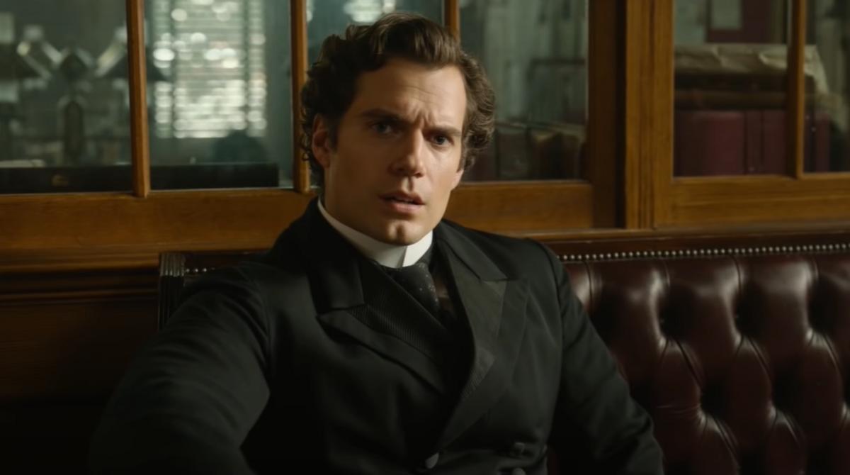 Генри Кавилл поделился неудачными дублями со съемок «Энолы Холмс»