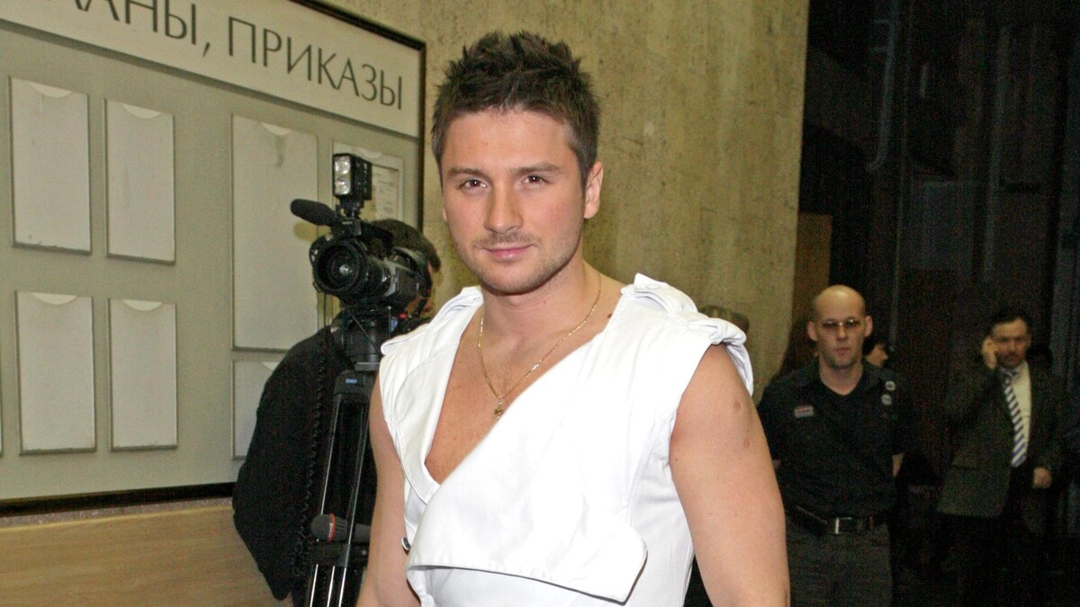 «Сюрприз»: Лазарев случайно слил в Сеть постыдную тайну Билана