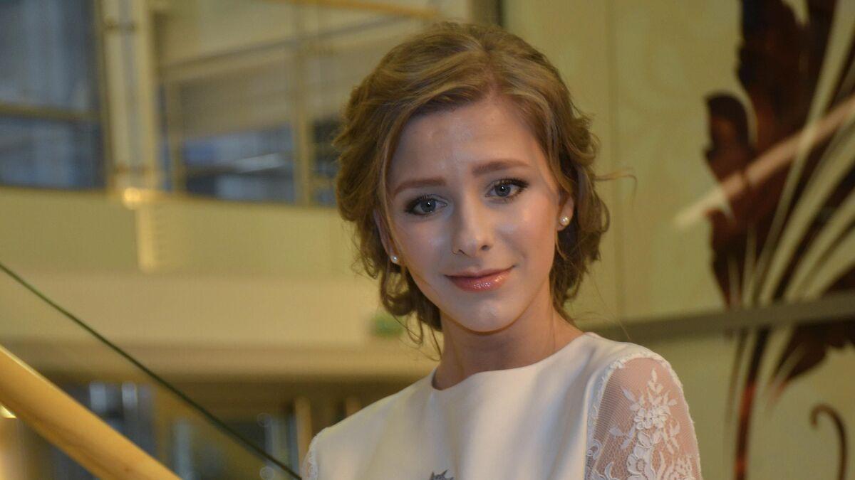 «Поддерживаем Илью»: Арзамасова без макияжа сплясала с младенцем