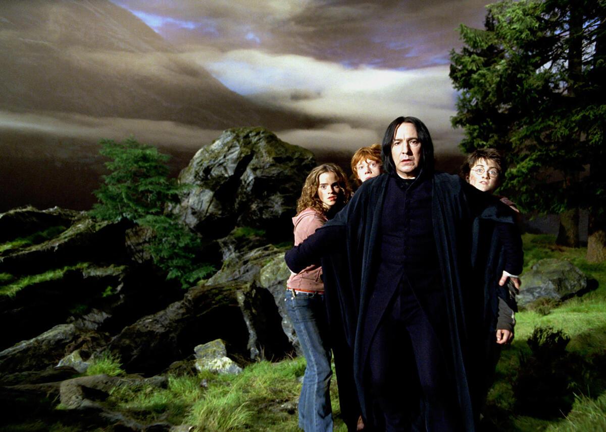 Тест для поклонников «Гарри Поттера»: какой ты учитель защиты от темных искусств?