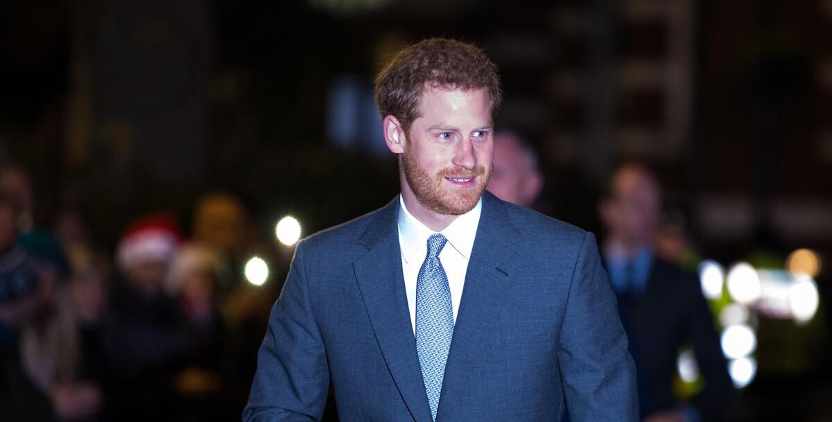 """«Готовит """"бомбу правды""""»: принц Гарри поделится новыми откровениями о семье"""
