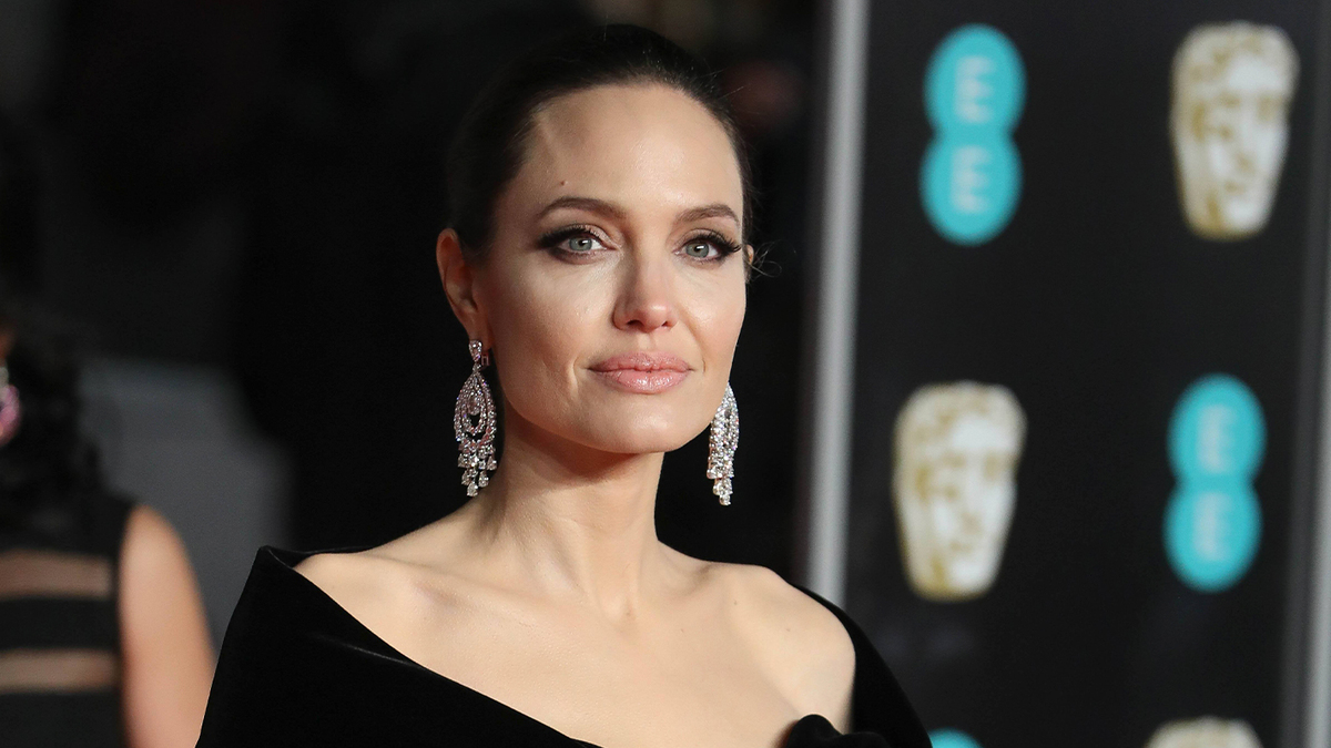 Худеют, не моргая: занимательные факты о Джоли и других звездах