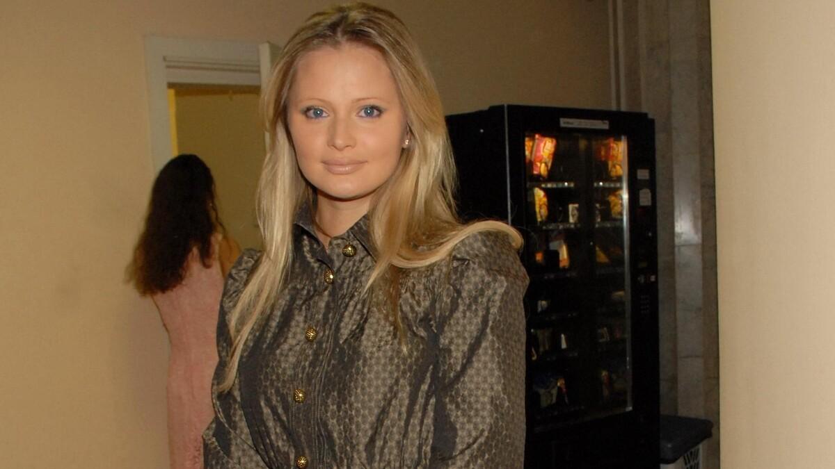 «Ничего общего, кроме родства»: дочь Даны Борисовой отреклась от деда после скандала
