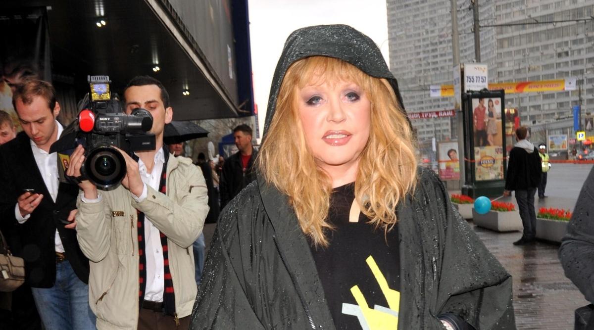 Из бабули в рокершу: Пугачева поразила модным образом