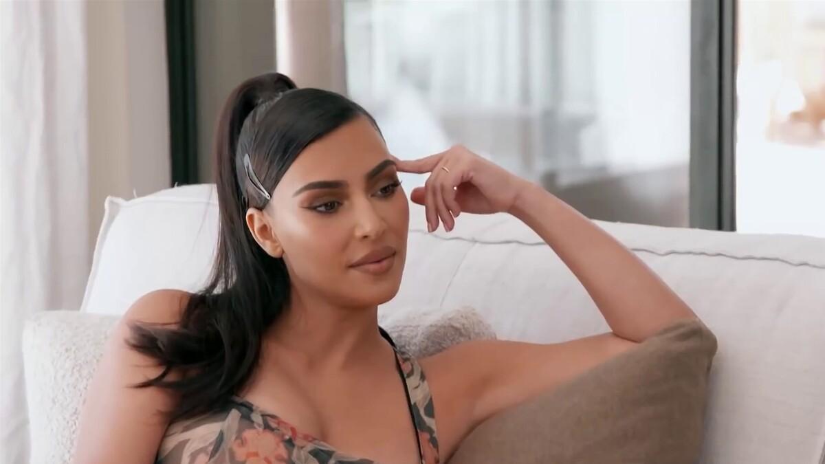 Ким Кардашьян придется отказаться от неприличных фото в бикини: «Не хочу смущать детей»
