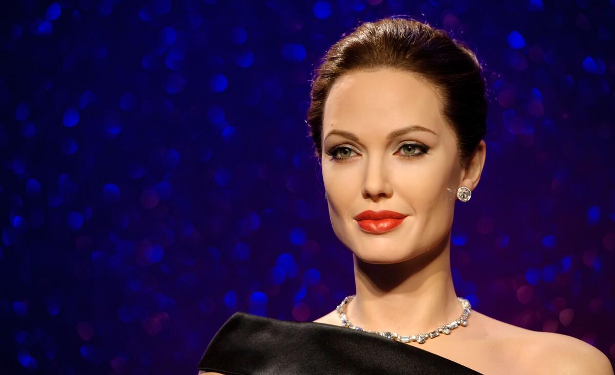 От киборга до наркоманки: роли, в которых Анджелину Джоли не узнать