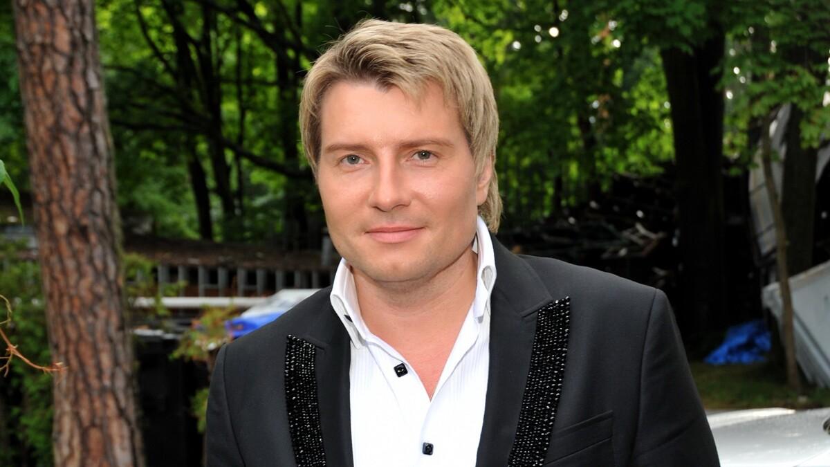«Красавица»: Басков перестал скрывать любимую женщину — жгучую брюнетку