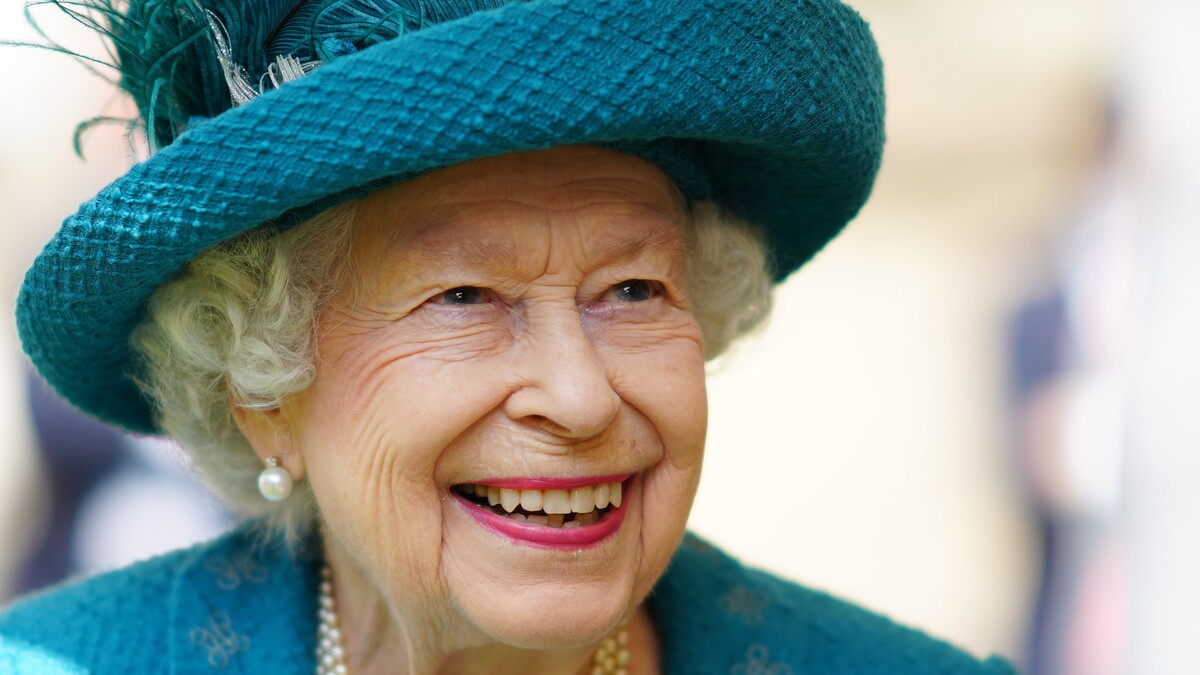 Боятся русских хакеров: королева Елизавета II усиливает кибербезопасность