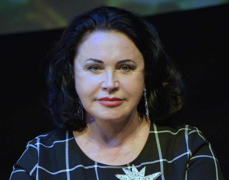 «Походка выдает возраст»: Надежду Бабкину раскритиковали за дефиле на «Модном приговоре»