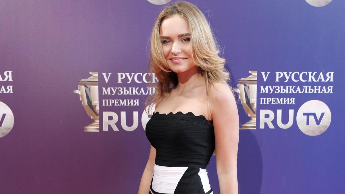«Кирилла завлекает?»: дочь Маликова впервые показала прелести в бикини