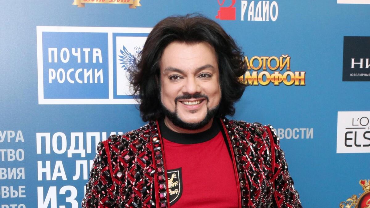 Годы берут свое: Киркоров опозорился во время выступления