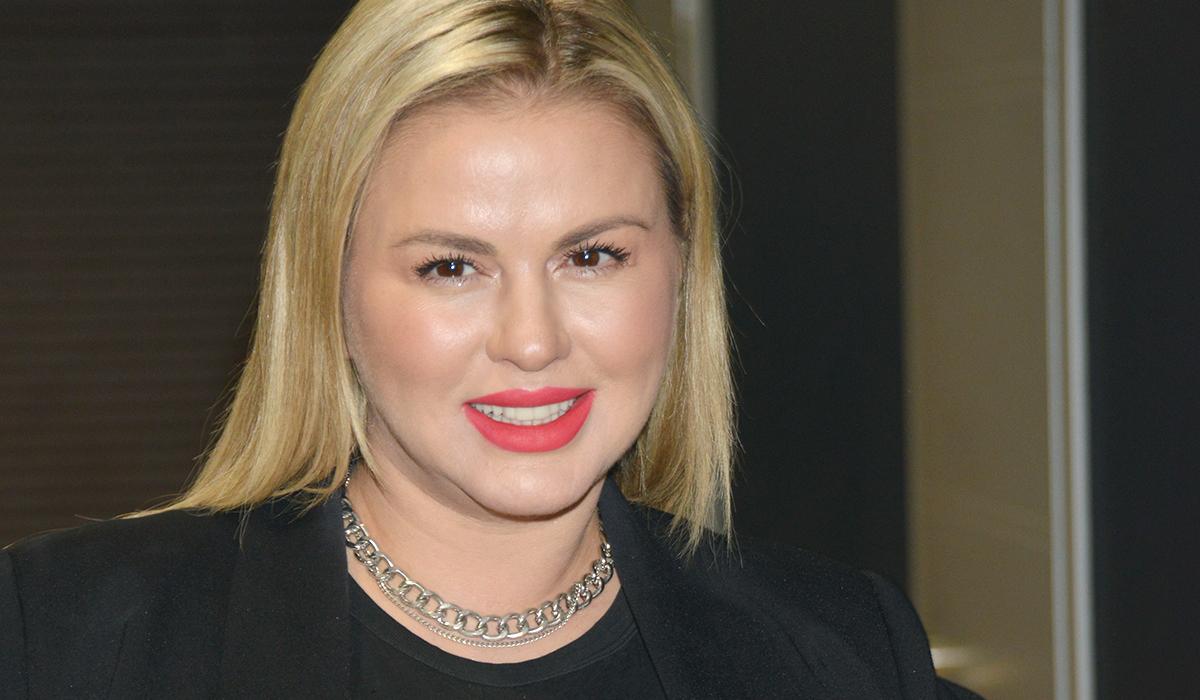 «Женишься на мне?»: Анна Семенович ударила отказавшего ей парня