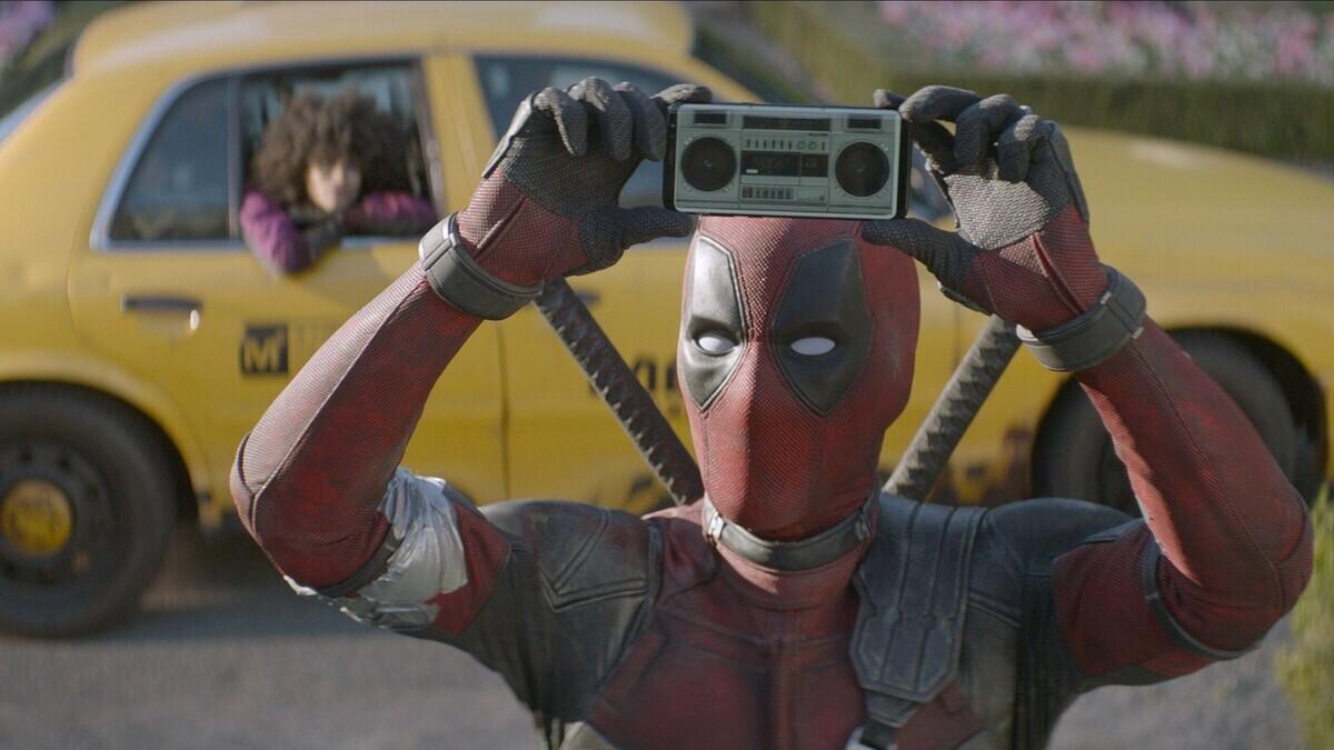Инсайдер: Райан Рейнольдс хочет много обнаженки в «Дэдпуле 3»