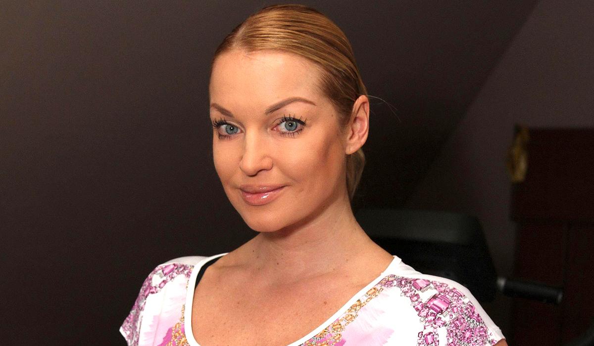 Волочкова похвасталась кольцом от экс-жениха: «60 миллионов на пальце»