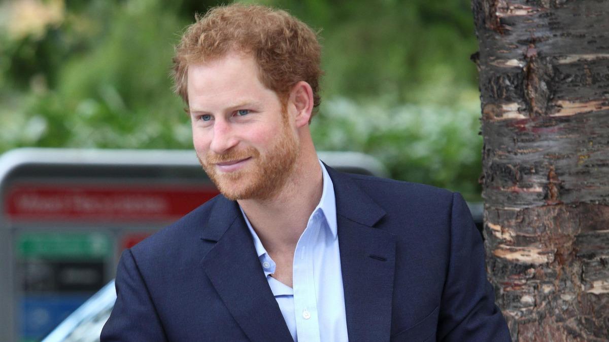 Головная боль для королевы: Гарри и Меган возвращаются в Лондон
