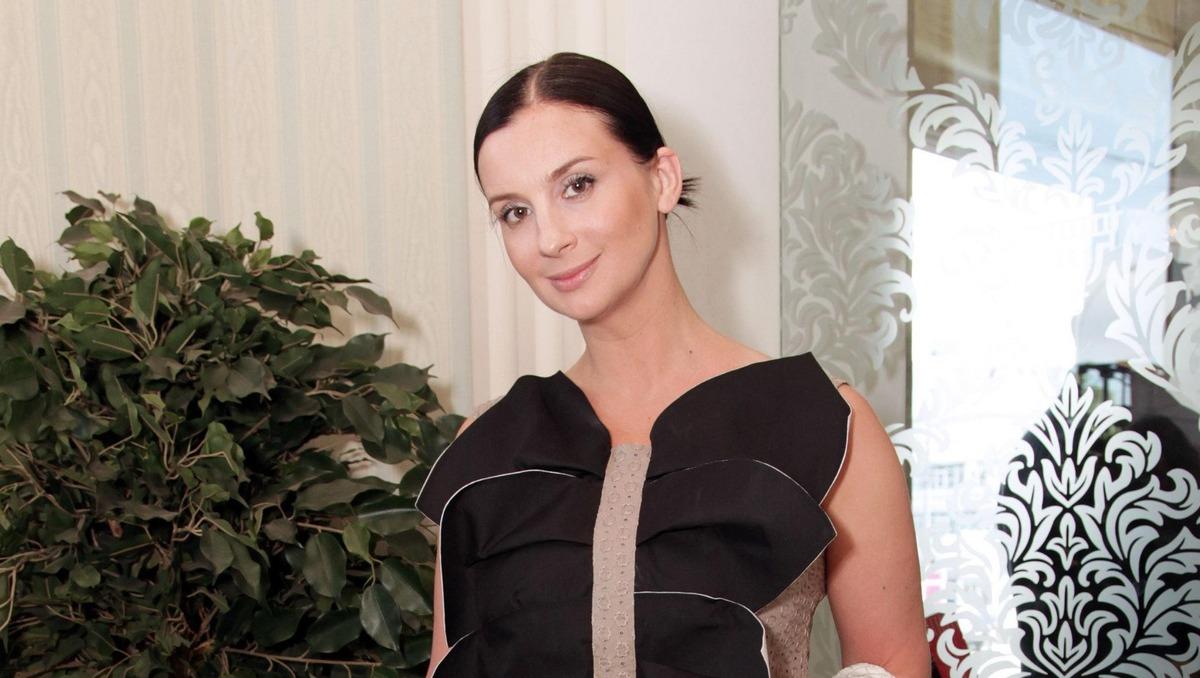 «Либо уходишь, либо меняй форму»: Екатерина Стриженова изменилась до неузнаваемости