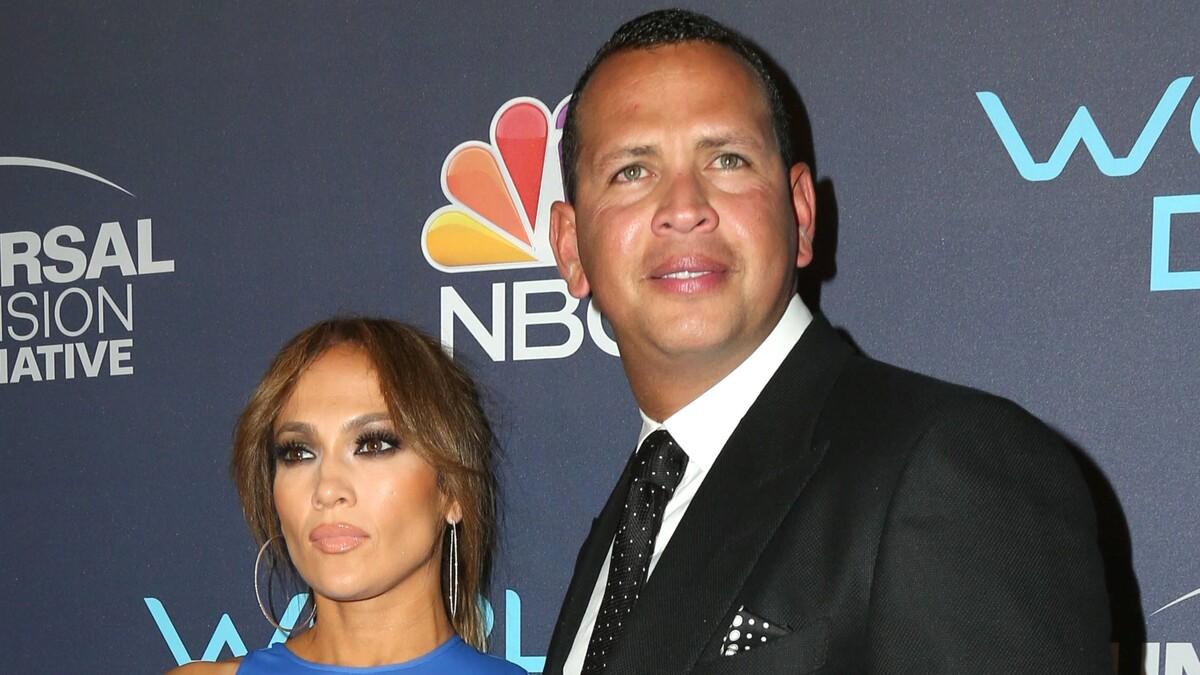 Преследует: бывший муж Дженнифер Лопес выставил себя на посмешище