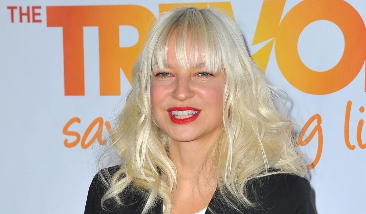 «Опасен для аутистов»: фильм Sia требуют лишить номинаций на «Золотой глобус»