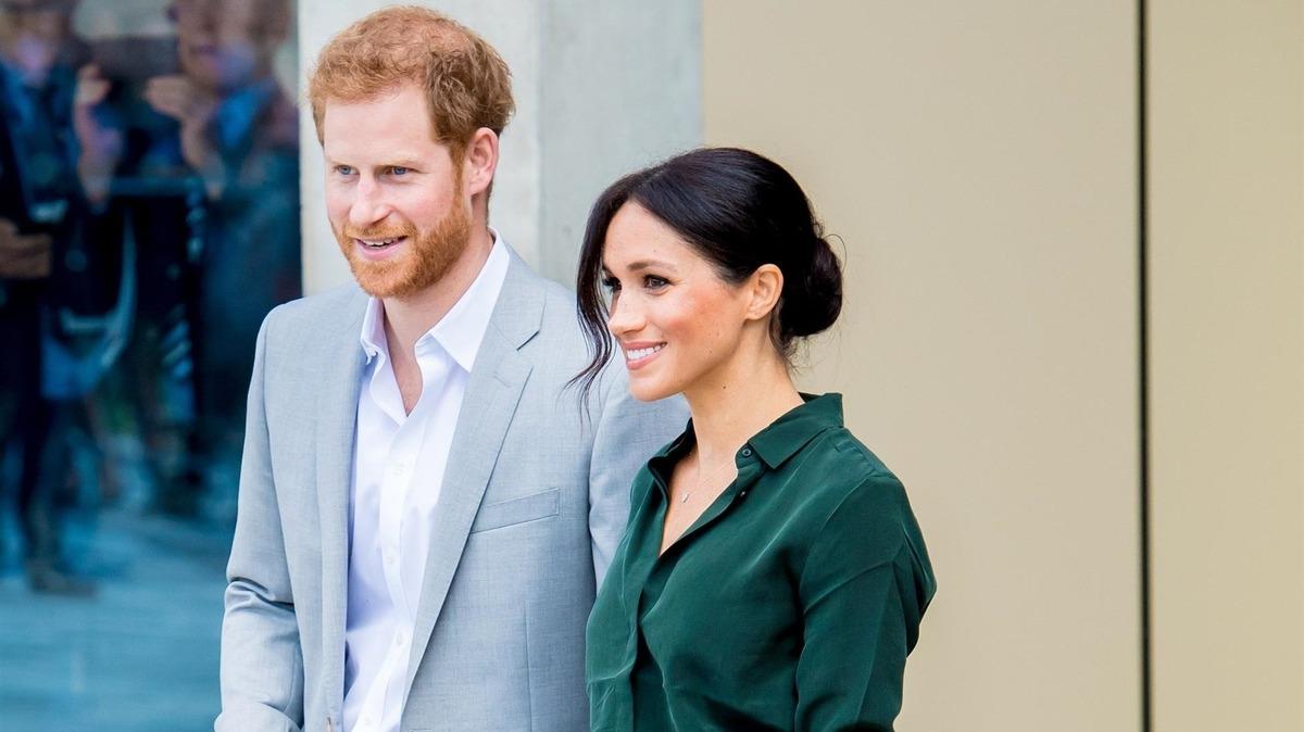 «Роль зарезервирована с марта»: почему Гарри и Меган не торопятся объявлять имя крестной для дочери
