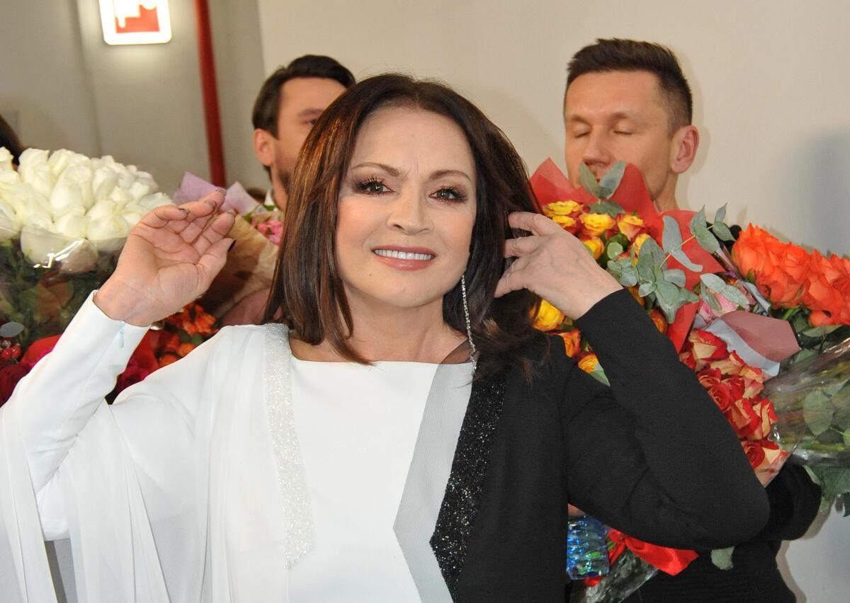 «Я бы не выпускал ее на сцену»: Ротару может лишиться концертов на Украине
