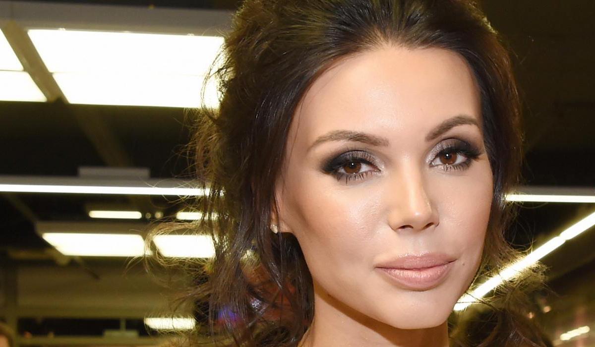 В сети не верят, что Самойлова отдыхает в Стамбуле: «Похоже на фотообои»