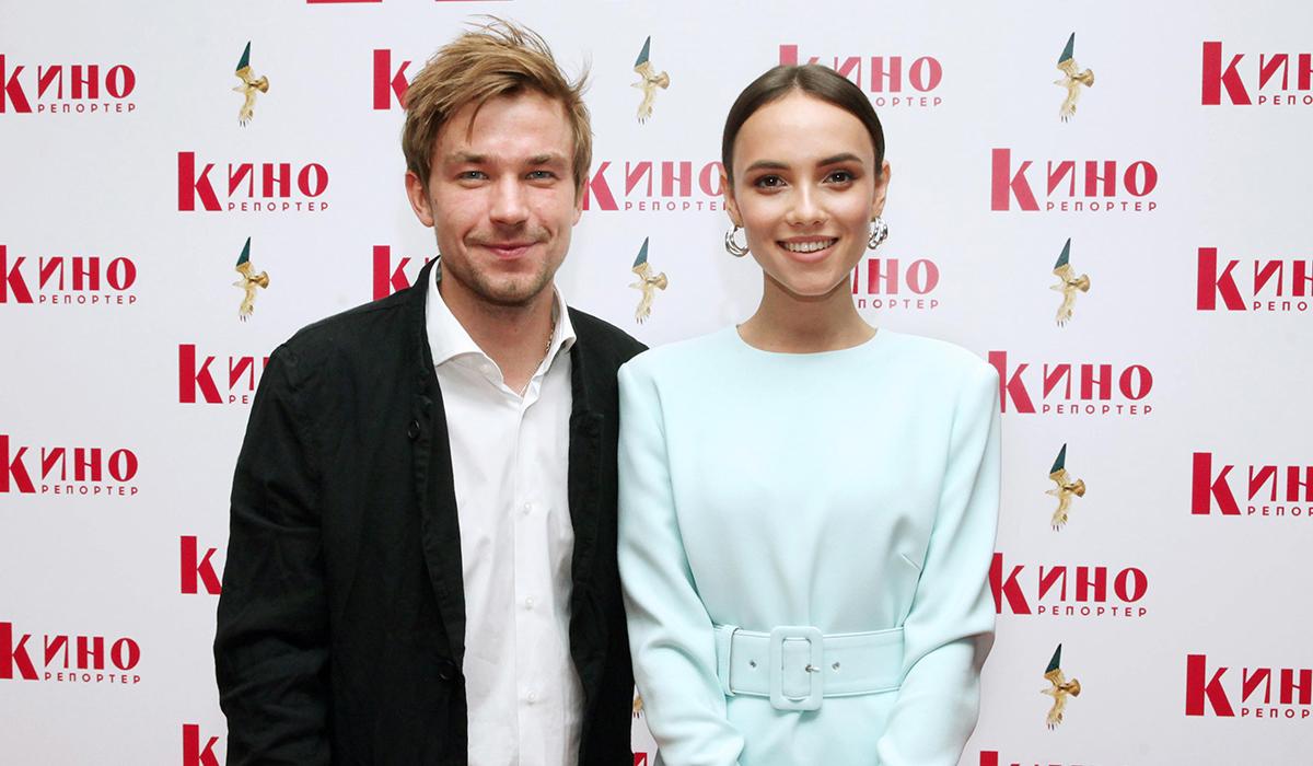 «Она тебя недостойна»: фанатки Петрова раскритиковали фото с Милославской
