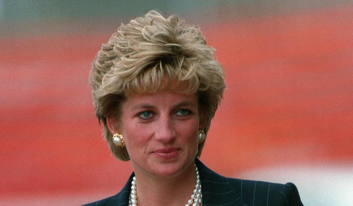 СМИ: принцесса Диана распространяла слухи о королевской семье